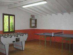 Juegos en el albergue en Soba Casón de Sangas